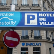 Levallois : Levaparc : Panneau Station Autolib' HDV